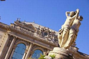 montpellier's les trois graces and the opera house with clear blue skies