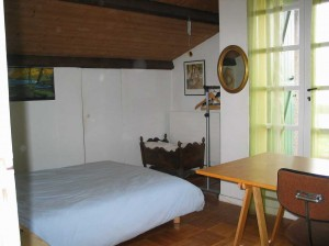 a student bedroom in montpellier